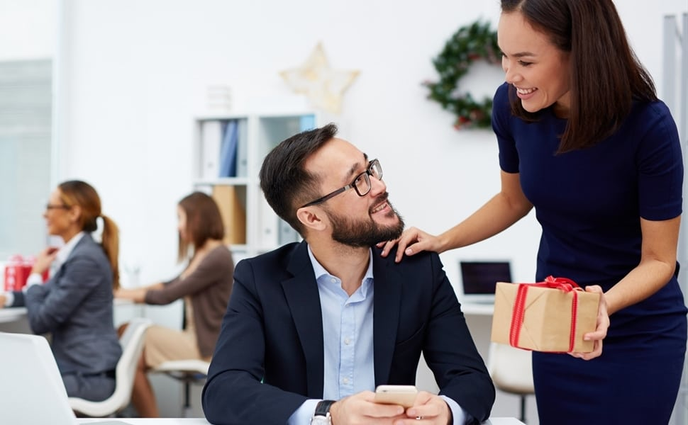 5 office gifts everyone will love to receive this Christmas