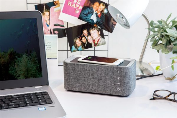Bluetooth Wireless Charging Speaker 4