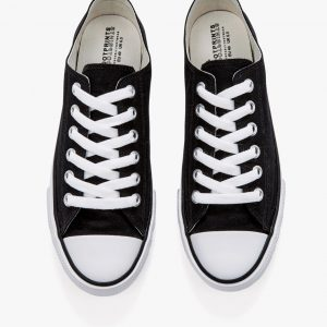 Unisex Canvas Sneaker